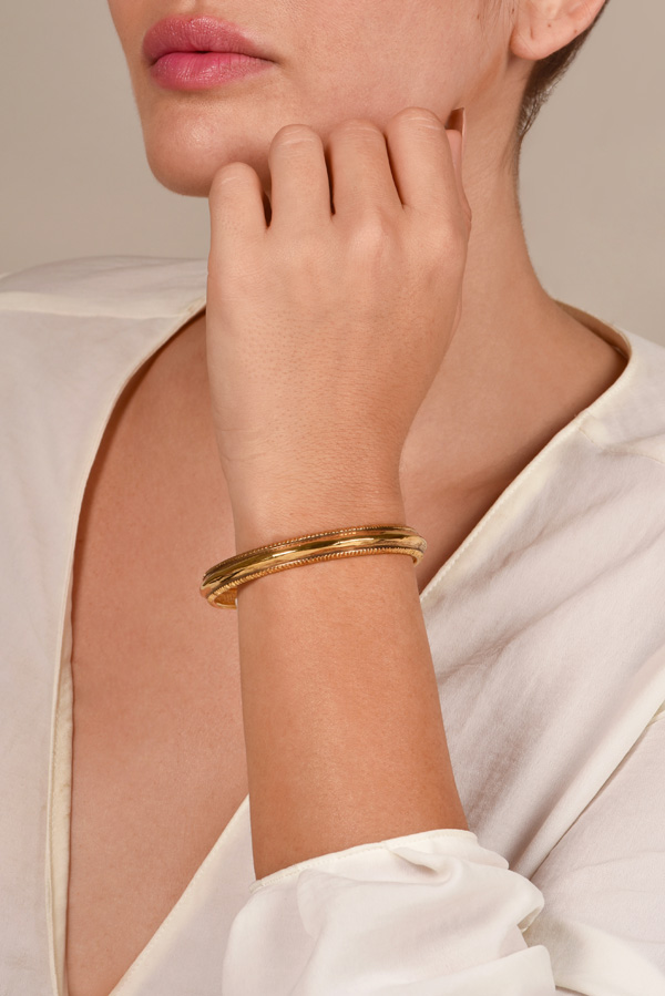 Chanel - Vintage Gold Ridged Bangle