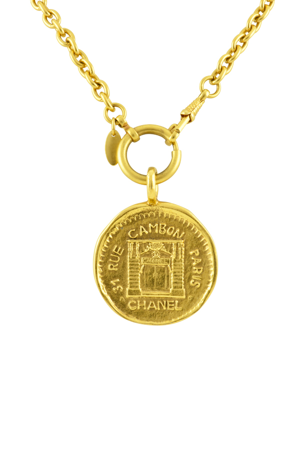 Chanel - Vintage 31 Rue Cambon Graphic Medallion on Short Link Chain