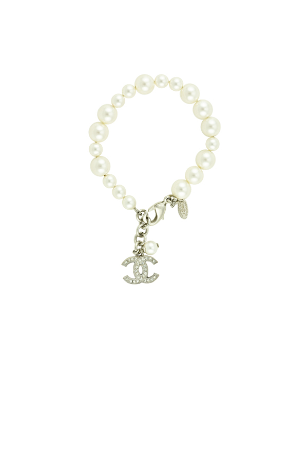 Chanel - Pearl Bracelet with CC Logo