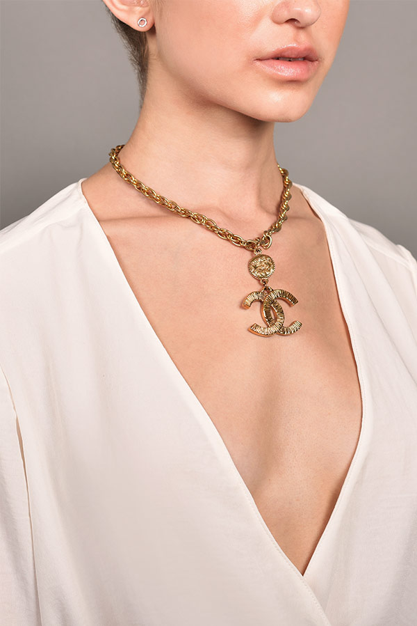 Chanel - CC Textured Necklace with CC Coin