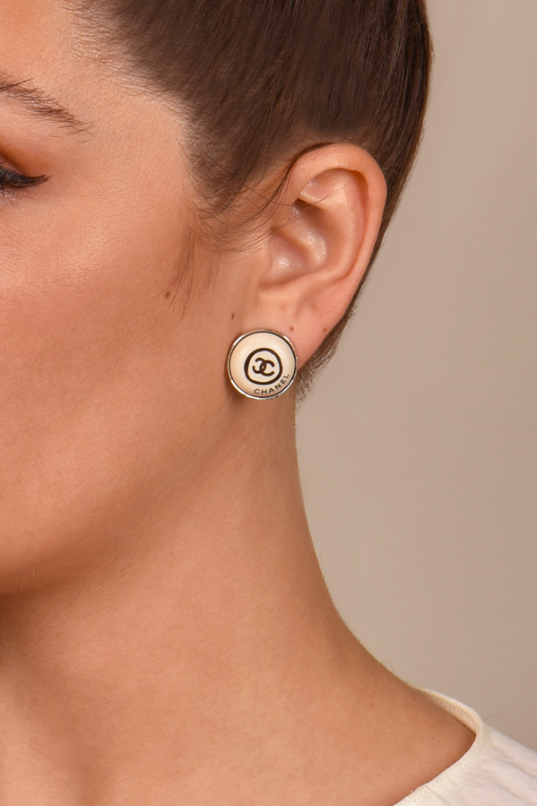 Chanel - Vintage Round Logo Clip On Earrings (White)