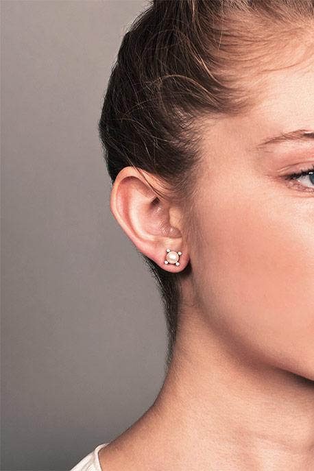 8770770750ca David Yurman - Mini Pearl Earrings With Diamonds