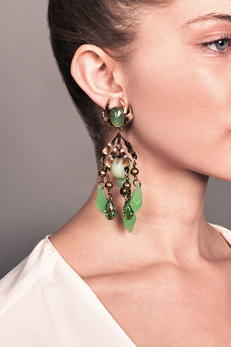 Gucci - Green Chandelier Clip On Earrings View 2
