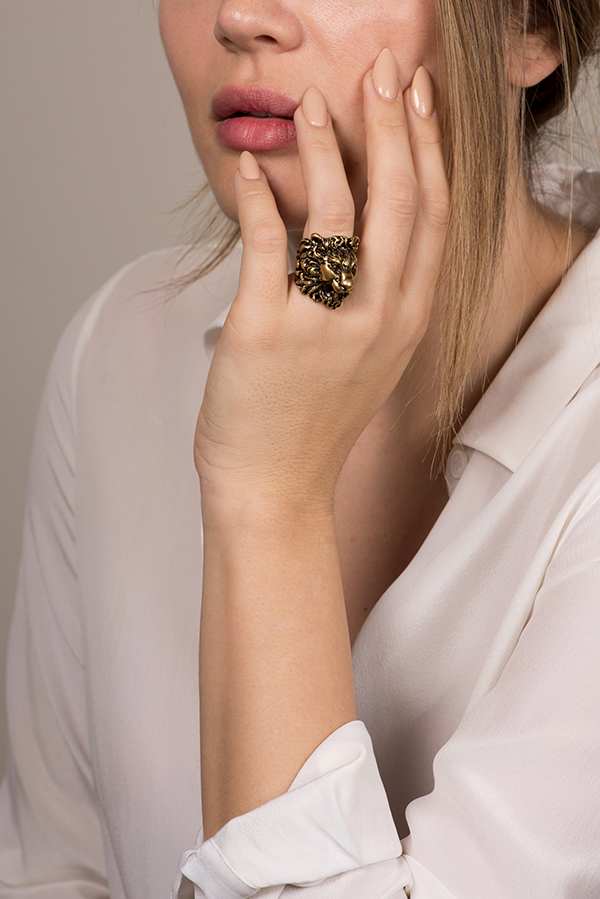 Gucci - Lion Head Ring With Swarovski Black Crystal - Size 6.5
