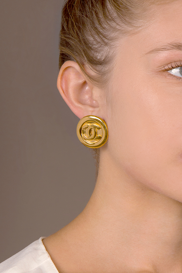 Chanel - Vintage Simple Round CC Logo Engraved Clip On Earrings