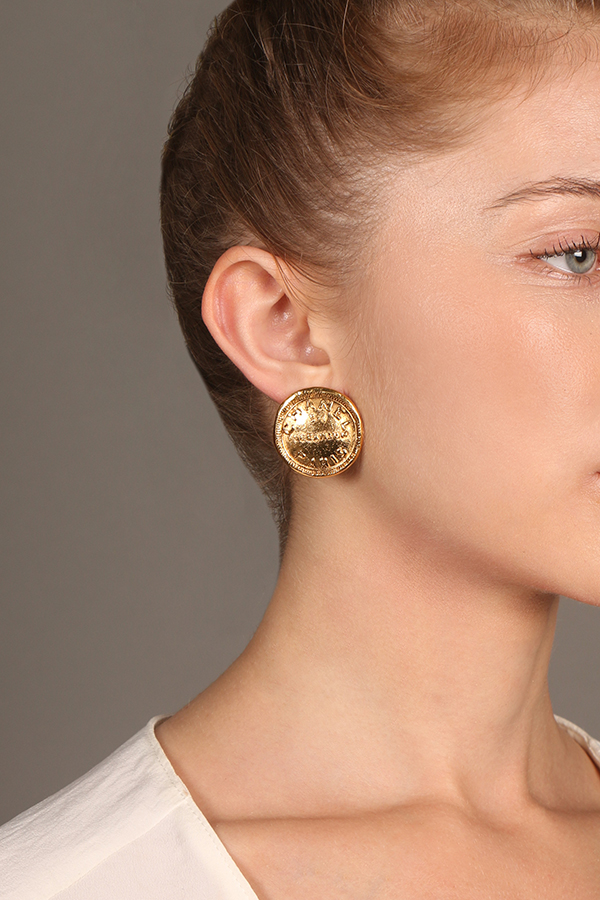 Chanel - Vintage 31 Rue Cambon Clip On Earrings - Medium