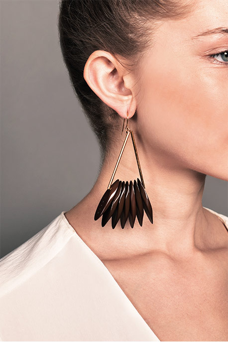 Marni - Slatted Resin Drop Earrings (Brown)