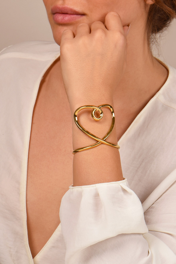 Chloe - Twisted Heart Cuff
