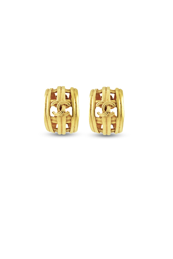 Chanel - Vintage Lined CC Logo Huggie Clip On Earrings