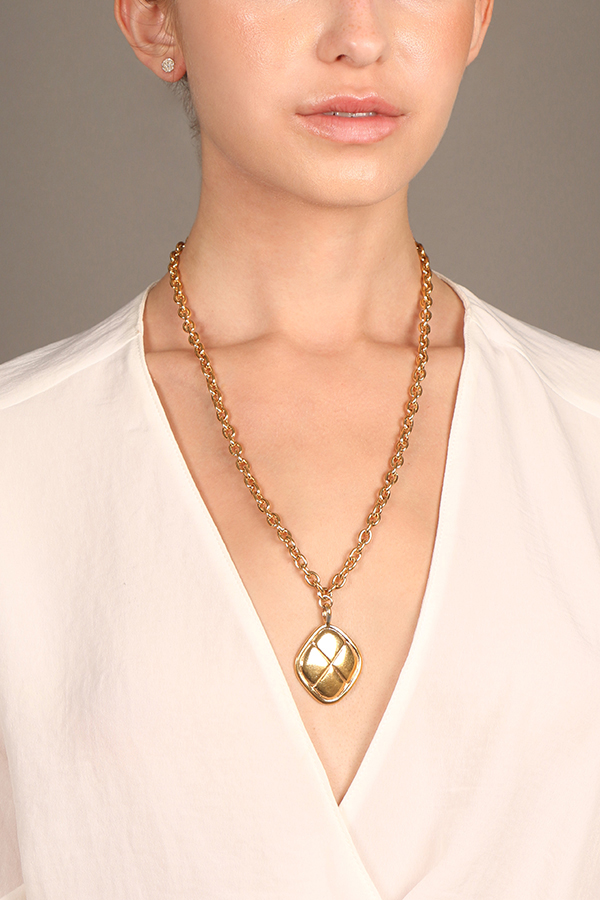 Chanel - Vintage Diamond Shaped Quilted Pendant Necklace
